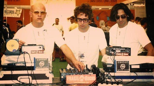 Flavio Etcheto, Gustavo Cerati y Diego Ro-K en Sónar 2000