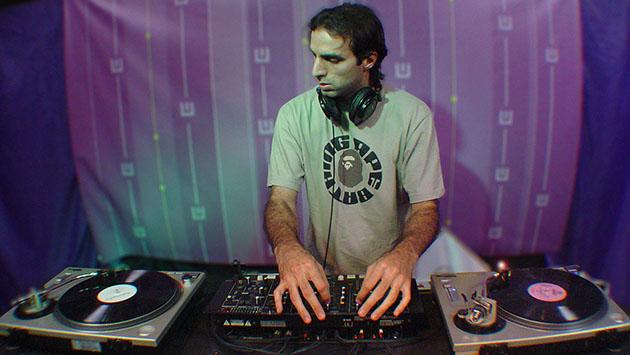 Franco Cinelli en Buenos Aliens, 2005