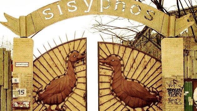 El ingreso a Sisyphos
