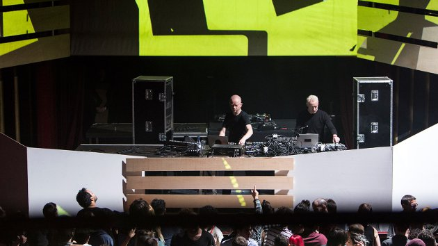 Mutek.es - Atom TM y Tobias en Apollo