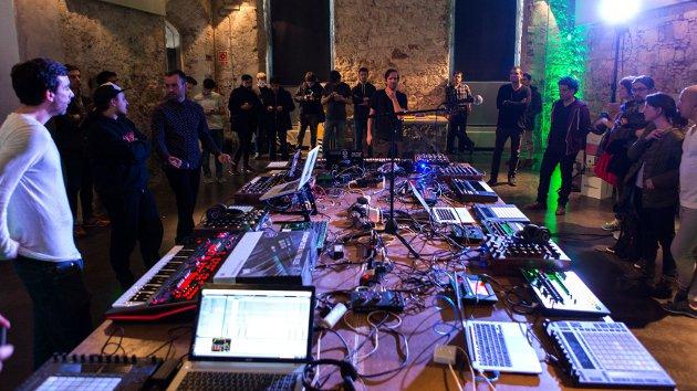 Mutek.es - Deadbeat jam session en Convento Sant Agustí
