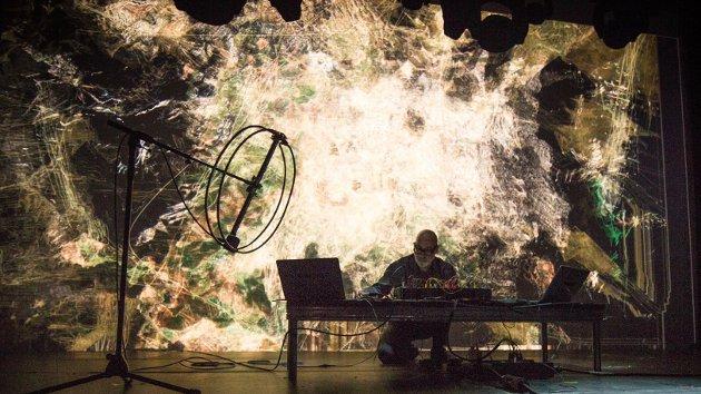Mutek Montreal 2016 - Herman Kolgen
